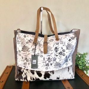 Handbags - Myra Bag Weekender Ursinia Upcycled Canvas Tote